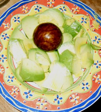 Insalata di mango e pera con peperoncino