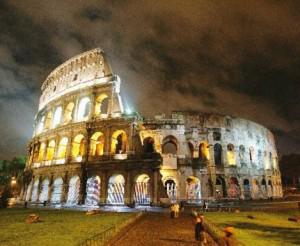 Urla, lamenti e ruggiti popolano le notti del Colosseo