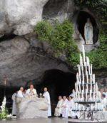 A Lourdes, sui passi di Santa Bernardetta