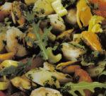 Gamberetti, scampi e cozze in insalata di carciofi e zucchine