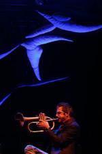 """Meridiana e Paolo Fresu: concerto in volo """"Ali Sarde"""". Inaugurazione del Festival Time in Jazz sulle ali di Meridiana aperte le vendite del concerto in volo sul Bologna-Olbia"""