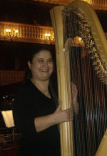 """""""Rimembranze di Napoli"""" il titolo del concerto eseguito da Sara Simari all'arpa sotto ai riflettori del Teatro Remigio Paone di Formia"""