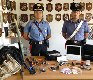 Arrestati due albanesi per ricettazione e porto di arma da sparo