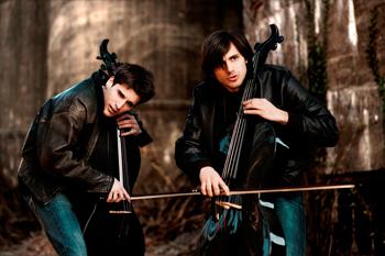 2 Cellos il 13 dicembre 2014 sul palco dell'Estragon di Bologna