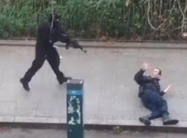 Parigi sotto assedio, Morti i tre terroristi