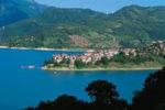 Al via la IV edizione del Festival Teatrale Lo Specchio e La Luna a Colle di Tora nel bellissimo scenario del lago del Turano