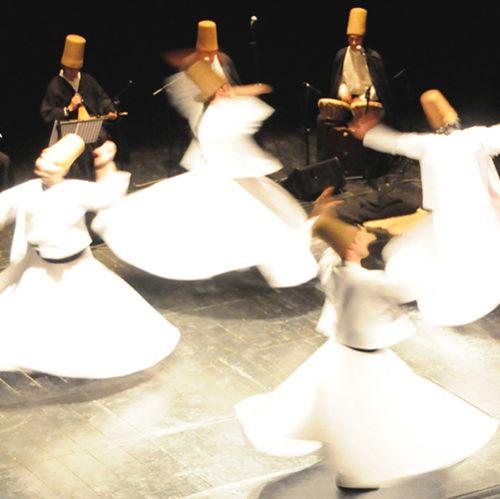 Dervisci Rotanti, Galata Mevlevi Ensemble al Teatro Brancaccio di Roma