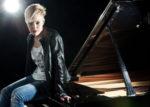Giulia Mazzoni, prosegue il suo tour in Asia per presentare i brani del disco Room 2401