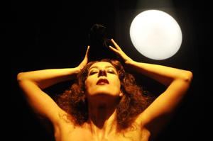 Hamletelia, lo spettacolo di Carolina Pagani in calendario al Teatro dei Conciatori di Roma