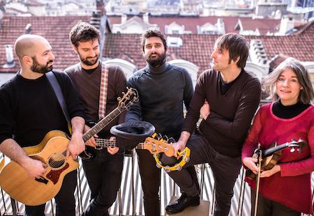 Luciano De Blasi e i Sui Generis live alle Officine Corsare di Torino per presentare dal vivo il nuovo disco Il Palazzo