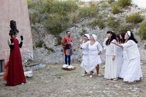 Neapopuli, lo spettacolo di successo della compagnia Imprevisti e Probabilità in scena al Teatro Remigio Paone di Formia