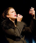 Taddrarite, l'atto unico ed imperdibile scritto e diretto da Luana Rondinelli, in scena al Brancaccino di Roma