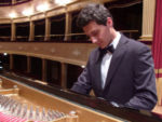 Niccolo' Cantagallo in concerto. L'astro nascente del concertismo italiano al Remigio Paone di Formia