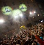 Red Bull Double Trouble, due band, due terrazze… e una città che balla