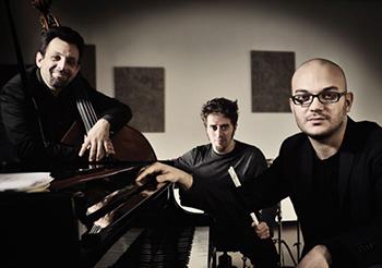 Fabio Giachino in Germania per tre concerti con il suo trio, prepara il suo esordio in piano solo al Roma Jazz Festival