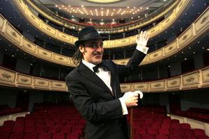 Tonino Carotone chiude la prima edizione di Spagna in Festa