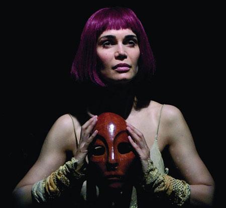 Sole, lo spettacolo tratto da Le troiane e da Ecuba al Teatro Bertolt Brecht di Formia
