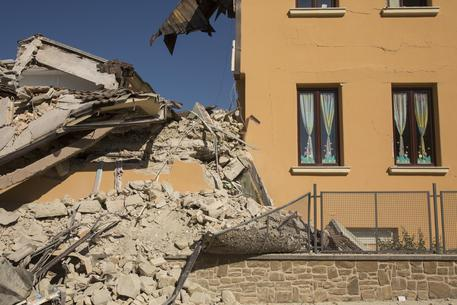 Terremoto Amatrice, procure e Anac indagano
