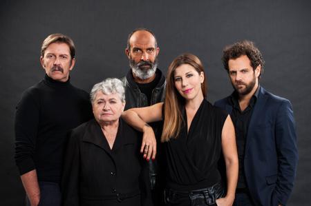 Ostaggi, lo spettacolo scritto e diretto da Angelo Longoni in scena al Sala Umberto