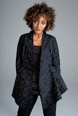 Dopo il successo di Londra, il tour della cantante italo eritrea Senhit, prosegue al music club Marie-Antoinette di Berlino