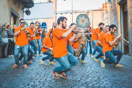 Sisma e solidarietà, Gualazzi, Cafiso e la P-Funking Band a Camerino per ri-costruire il futuro
