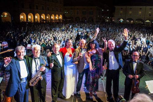 Mirko Casadei presenta la seconda edizione de La notte del liscio live a Bellaria Igea Marina