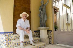 Charles Aznavour torna in concerto in Italia con Tra di noi, al Teatro degli Arcimboldi di Milano