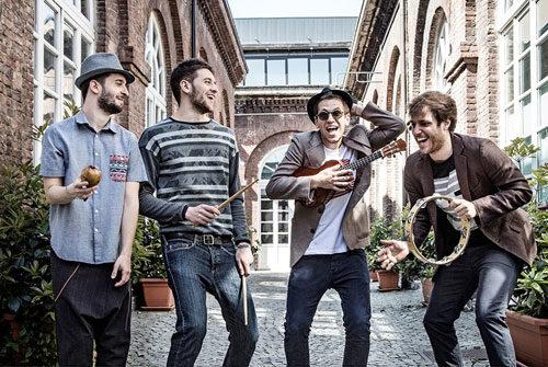 Gli Eugenio In Via Di Gioia live al BOtanique di Bologna