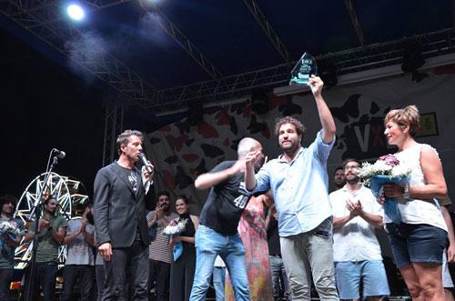 Carlo Valente vince il premio Amnesty International Emergenti: lo dedico a Federico Aldrovandi