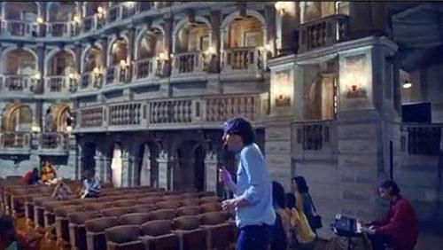 Il Teatro Bibiena di Mantova nel video Ti Amo dei Phoenix