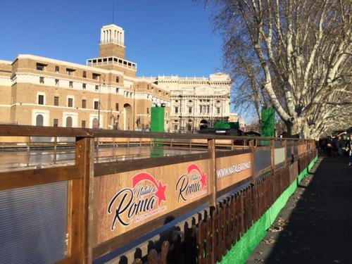 A Castel Sant'Angelo torna la pista di pattinaggio del centro storico