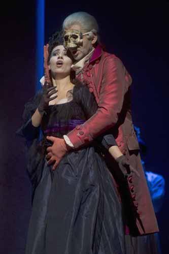 Le seduzioni del Don Giovanni di Mozart sul palcoscenico del Teatro Alighieri di Ravenna