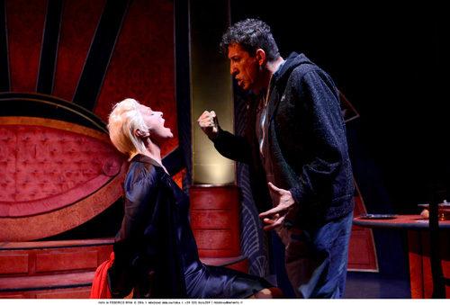 Il mondo non mi deve nulla, lo spettacolo al Teatro Golden di Roma