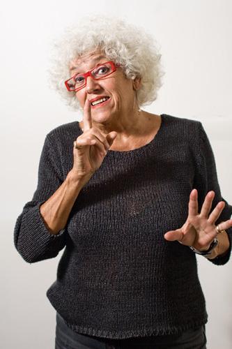 Sono una donna Laceroconfusa scritto e diretto da Grazia Scuccimarra al Teatro degli Audaci di Roma