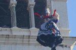 Elisa Costantini vola su Piazza San Marco accompagnata dalle note dell'Ave Maria di Schubert