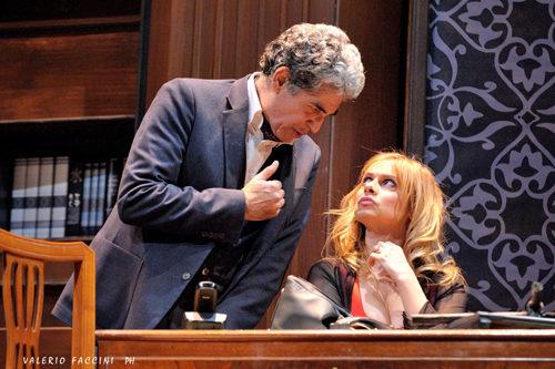 Debora Caprioglio e Gianfranco Jannuzzo in Alla faccia vostra al Teatro Quirino di Roma