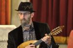 Le 4 Stagioni di Vivaldi per mandolino solista: lo stupore barocco nella rilettura di Carlo Aonzo