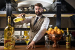 La Campania con il Liquore Strega e il barman Alex Frezza de L'Antiquario di Napoli al Vinitaly 2018