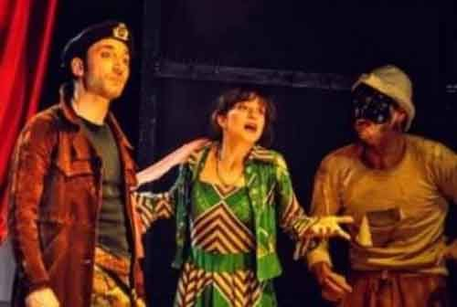 La Ridiculosa commedia della terra contesa al Teatro Golden di Roma