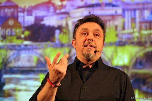Gabriele Cirilli festeggia 30 anni di carriera a Roma e si regala 11 date al Teatro Sala Umberto