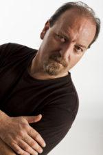 Dallo sciamano allo showman: al via domani con Flavio Oreglio il Festival della canzone umoristica d'autore