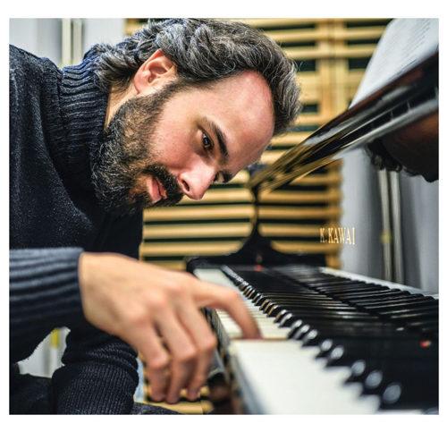 The Awakening, l'album d'esordio di piano-solo del compositore, pianista e performer Luca Morelli