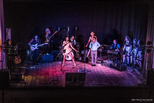 Canzoni, balli, umorismo e trasgressioni: la Rocky Horror Live Band allo Spazio Teatro 89 di Milano