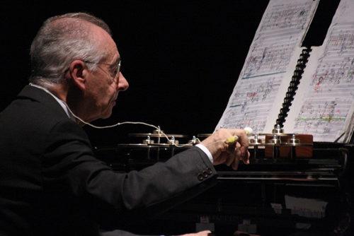 Due secoli di canzoni, da Debussy ai Beatles, nel recital di Antonio Ballista sabato 17 novembre alla Camera del Lavoro di Milano