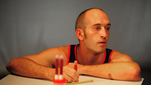 28 battiti, lo spettacolo scritto e diretto da Roberto Scarpetti al Teatro Traiano di Civitavecchia