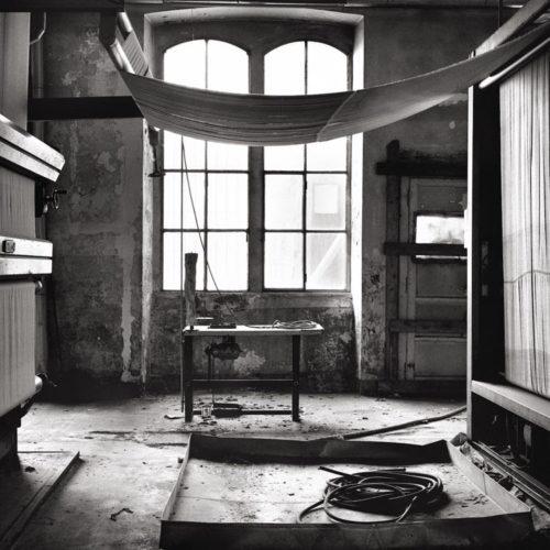"""Ore 18.00, l'orario è finito"""", la mostra fotografica di Massimiliano Camellini al Bookshop Fondazione Sandretto Re Rebaudengo di Torino"""