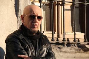 """Enrico Ruggeri: è in uscita """"Come lacrime nella pioggia"""", il singolo che anticipa il nuovo album di inediti """"ALMA"""" in uscita a marzo"""
