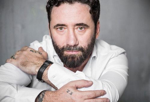 """Tiromancino: prosegue il tour teatrale """"Fino a qui – Tour"""". Giovedì 14 febbraio live al Teatro Nuovo di Martina Franca"""