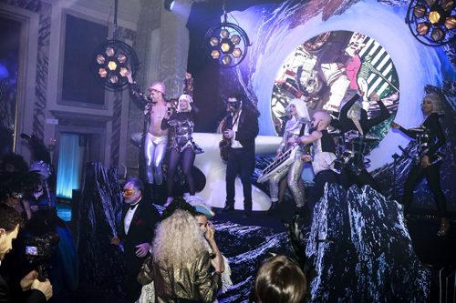 """Carnevale di Venezia 2019: Lunatic Dinner Ball: il party ufficiale del Carnevale di Venezia incanta tra suggestioni """"spaziali"""" e incursioni cyberpunk"""