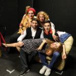 Gli angeli del pianerottolo, lo spettacolo che ha registrato il sold out al Teatro Petrolini di Roma